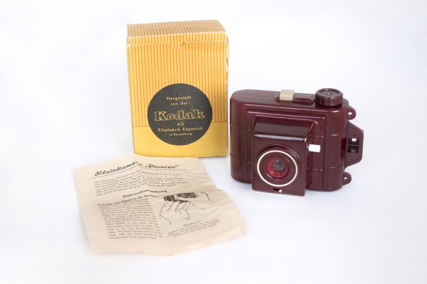 The Kodak Deko Pionier: camera, box and instruztions