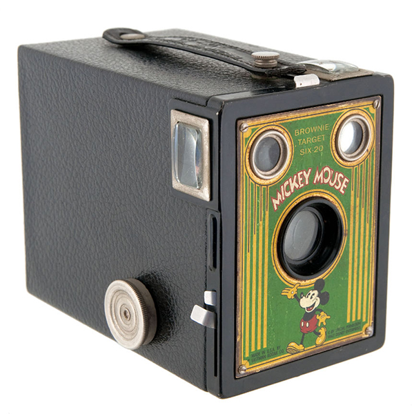 Kodak Brownie Mickey Mouse di lato